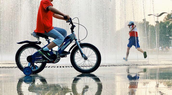 Apprendre à son enfant à faire du vélo